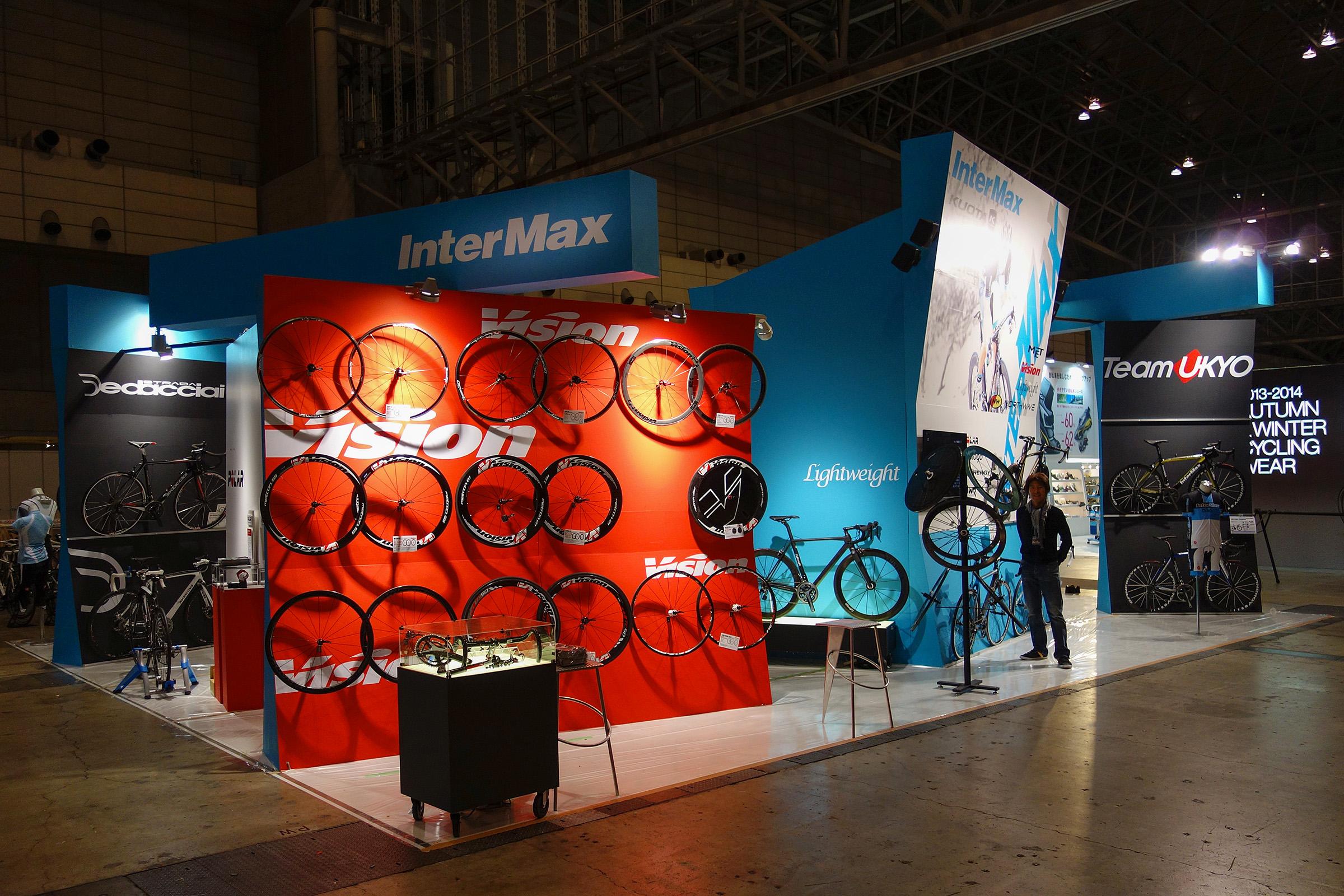 <p>InterMaxブース (2013, サイクルモードインターナショナル)</p>