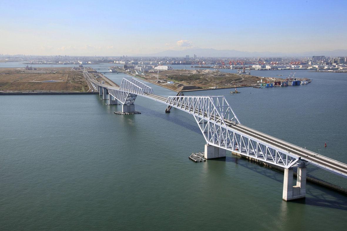 <p>東京湾臨海道路ゲートブリッジカラープランニング<br /> 1995</p>