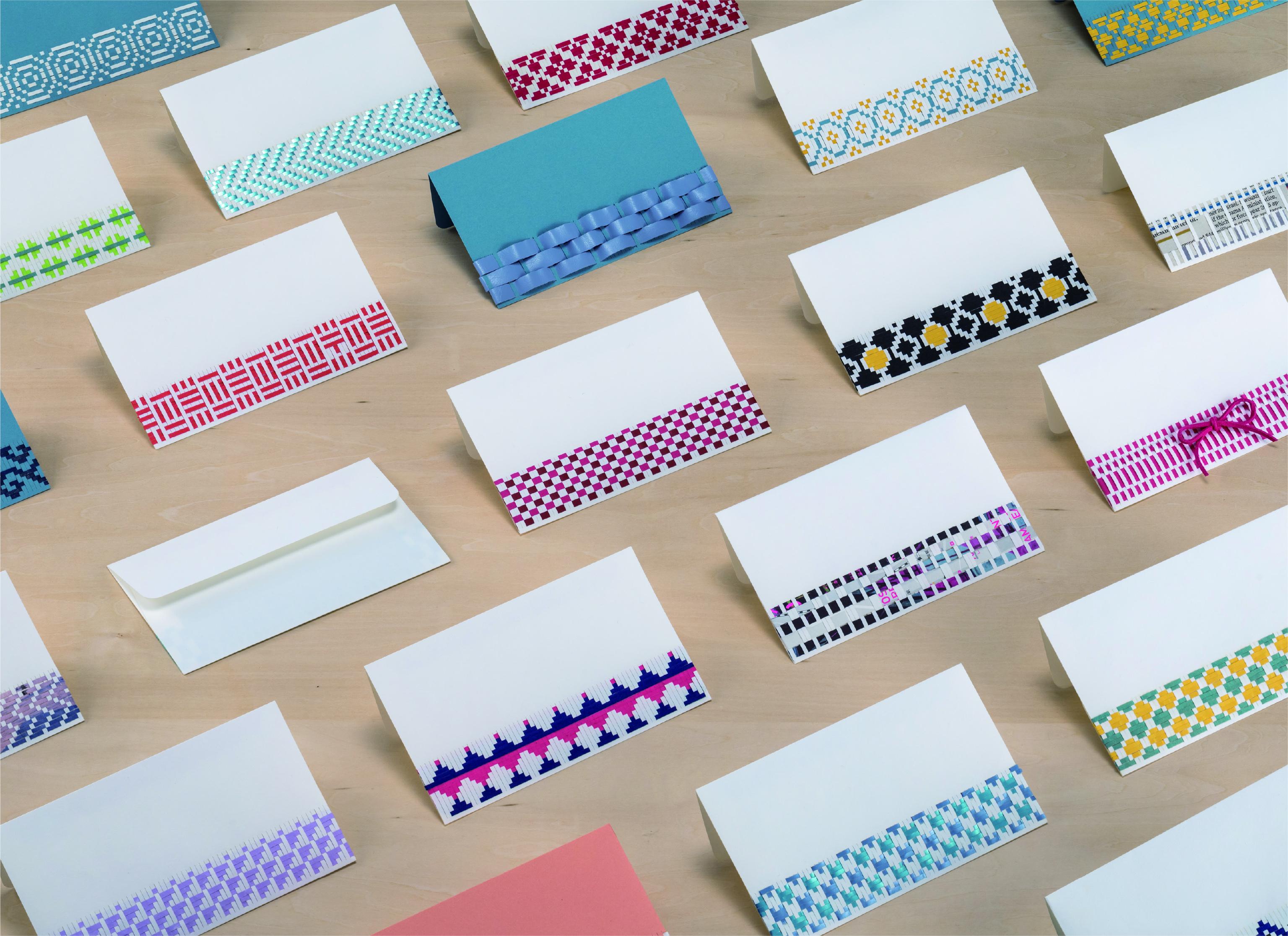 <p>秋田市長特別賞 </p> <p>「orite」</p> <p>小野寺 絢子 Onodera Ayako<br /> (コミュニケーションデザイン専攻)</p> <p>手紙用封筒を季節の模様や旅先で見つけたもので自由に演出できるキット。SNS隆盛の中、感触や匂い、雰囲気など従来の手紙が持つ魅力を演出するアイデアを、豊富で楽しい作例と共に示している。</p> <p>封筒30点</p>