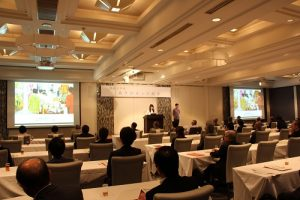 総会における奨学生の活動発表