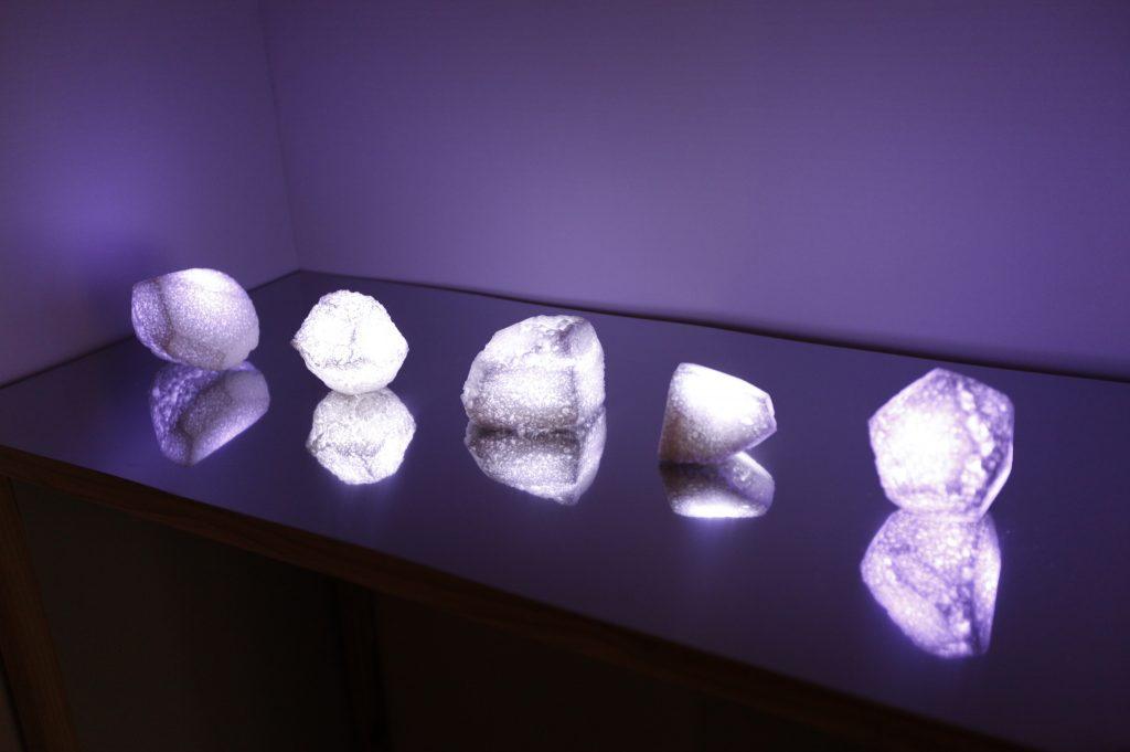 中川舞「Inflatable stone」